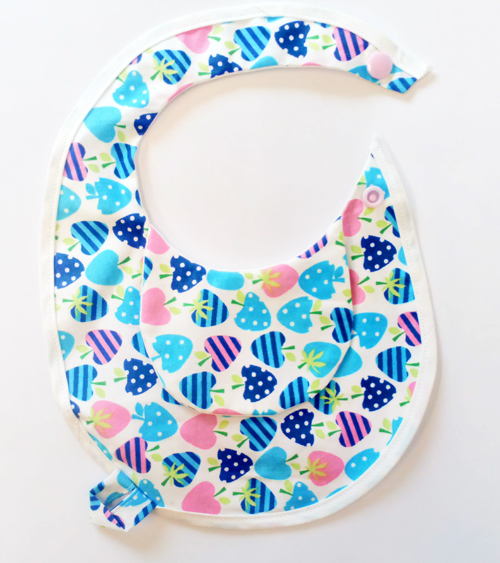 Sweet-Strawberry-Newborn-BibEasy-Bib